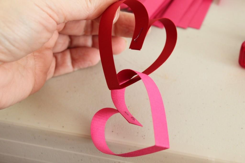 Как сделать объёмное сердечко из картона