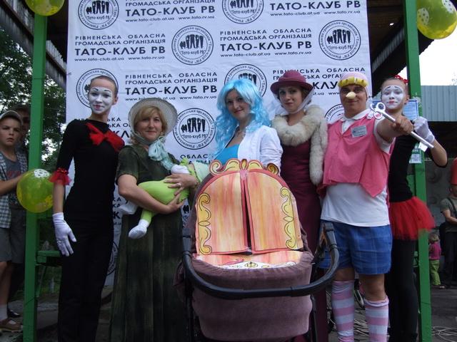 У Рівному відбувся перший парад дитячих візочків (ФОТО, ВІДЕО), фото-1